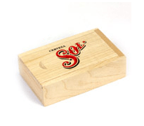 csm-usb-stick-packaging-wooden-slide-box-portfolio-01